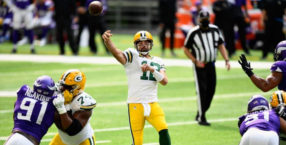 Packers Win 43 34 Over The Vikings Adams Ties Single Game Reception Record Wtmj